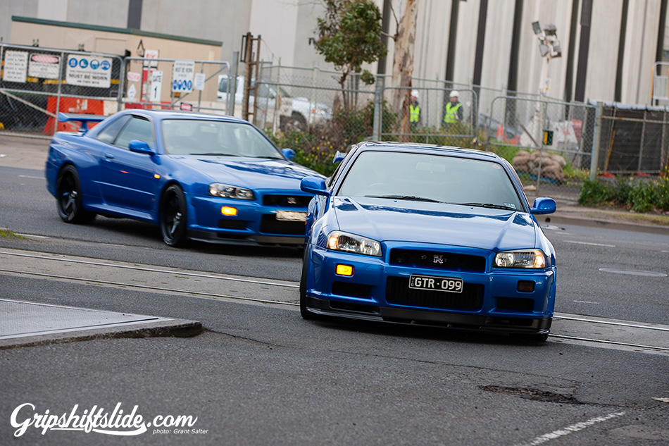 R34 blue GTR