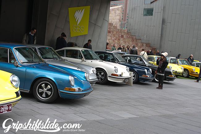 911 colours