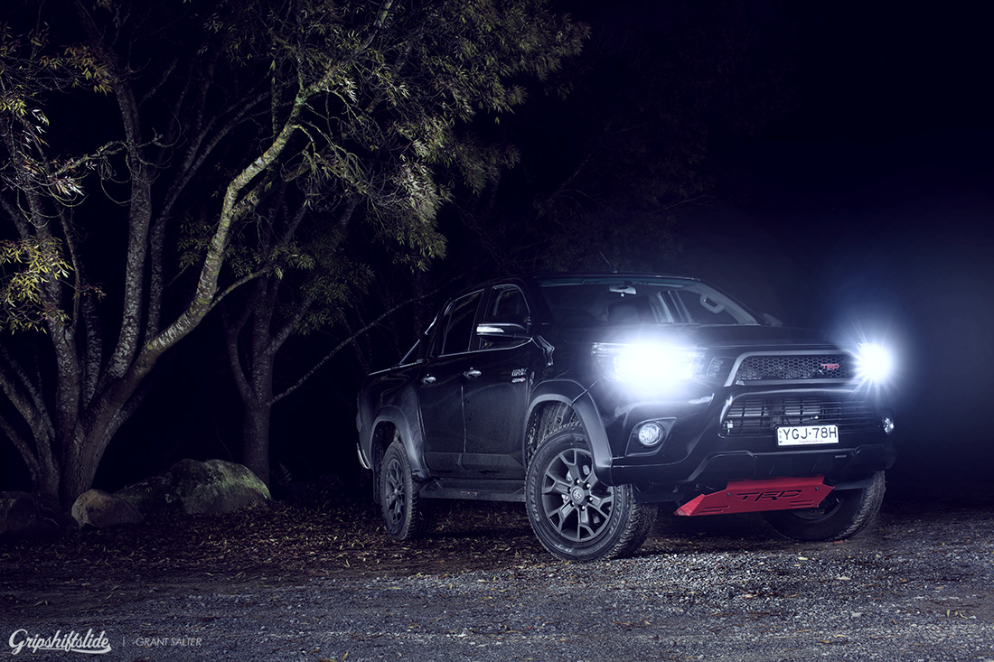 headlight of the trd hilux 2017